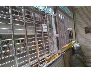 鐵窗施工圖片