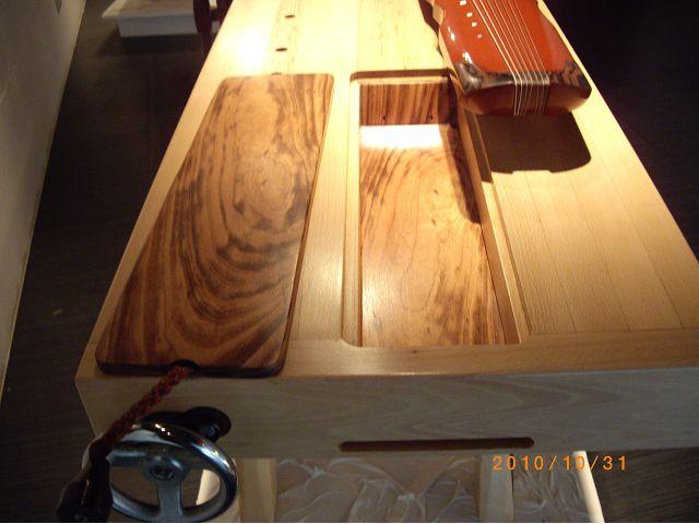 木工藝術作品-那位木匠的琴桌